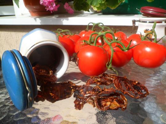 Czy szynszyle mogą jeść suszone pomidory?